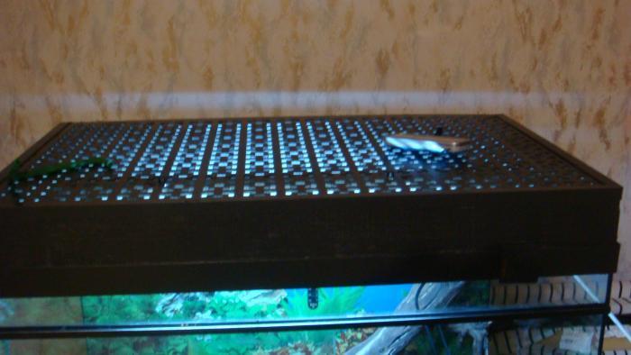 эту крышку для доб оборудования тоже сам делал , из дереваи алюминеевого профиля